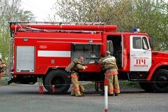 Squadra di soccorso del fuoco Immagini Stock Libere da Diritti