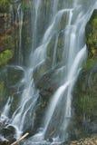 Squamish河路路旁瀑布 免版税图库摄影