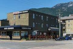Squamish Kanada - Juli 22, 2018: Andra aveny i det Squamish British Columbia hotellet Squamish royaltyfri bild