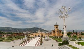 Square of the Sameba cathedral in Tbilisi Royalty Free Stock Photos