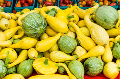 Squash in a bulk display at the market Royalty Free Stock Photos