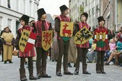 Squires met verschillende sccutcheons van Mechelen stock foto's