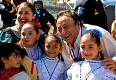 SR. amigo e crianças na festa dos dias de Charro Fotografia de Stock