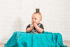 Sr. Baby en la cesta Fotos de archivo libres de regalías