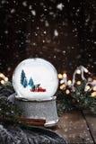 Srebna Śnieżna kula ziemska z Starym Podnosi Up ciężarówkę zdjęcia royalty free
