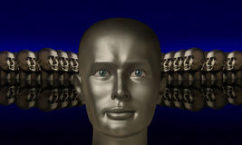 Srebna głowa flankująca innymi głowami Zdjęcie Stock