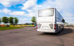 Srebne autobus przejażdżki autobusowa przerwa zdjęcie royalty free