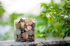 Srebne monety umieszczać wpólnie w grupach Zdjęcie Stock