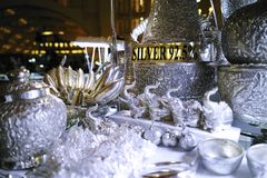 Srebne rzeczy, biżuteria i klejnoty przy Środkowym rynkiem, KAMBODŻA zdjęcia royalty free
