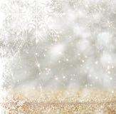 Srebnego i białego bokeh defocused światła z płatek śniegu narzutą abstrakcyjny tło Zdjęcie Royalty Free