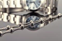 Srebny łańcuszkowy chrom matrycująca dama zegarka stal obraz stock
