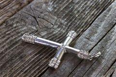 Srebny chrześcijanina krzyż Obrazy Royalty Free