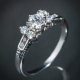 Srebny diamentowy pierścionek Fotografia Stock