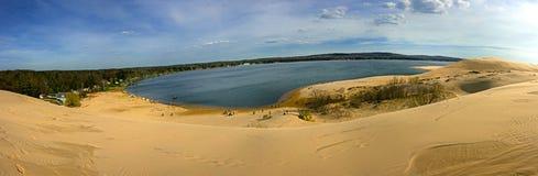 Srebny jeziorny panoramiczny widok Zdjęcie Stock