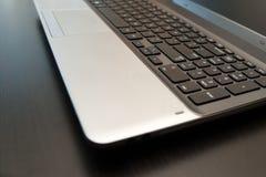 Srebny laptopu zakończenie up z selekcyjną ostrością Obrazy Royalty Free
