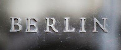 Srebny pisze list Berlin, Stary i zniszczony obrazy royalty free