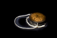 Srebny pudełko z perłami 4 Fotografia Stock