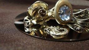 Srebny ringowy dekoracji panny młodej przyjęcie weselne obrazy stock