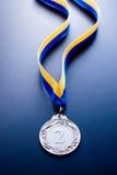 Srebrny medal na ciemnym tle Zdjęcie Royalty Free
