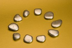 srebro pomalowane kamienie Zdjęcie Royalty Free