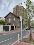 Sreet-Ansicht von Häusern um Paris stockfotos
