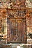 srey för dörr för angkor banteay cambodia sniden falsk arkivbilder
