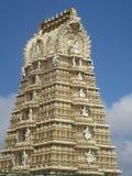 Sri Chamundeshwari tempel på den Chamundi kullen i Mysore royaltyfria bilder