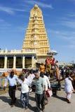 Sri Chamundeswari tempel på överkanten av den Chamundi kullekullen royaltyfria bilder