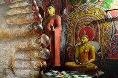 Sri Lanka andliga gamla grottor Arkivbild