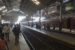 Sri Lanka Colombo, Februari 11th 2017, Colombo järnvägsstation Arkivfoton