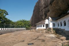 Sri Lanka Dambulla Templo antiguo tallado en la roca imagenes de archivo