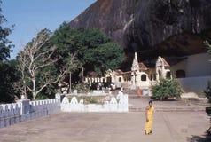1977 Sri Lanka Die Eingänge zu den Dambulla-Höhlen Lizenzfreie Stockfotos