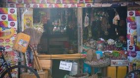 Sri Lanka, Nuwara Eliya, empresa de BlueField, o 14 de janeiro de 2017, mercado asiático do ` s do fazendeiro que vende legumes f Fotografia de Stock