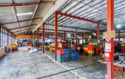Sri Lanka Nuwara Eliya Theefabriek rond binnen Stock Afbeeldingen