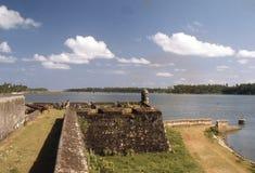 1977 Sri Lanka Ponte do forte e do Kallady de Batticaloa no bagground Fotos de Stock