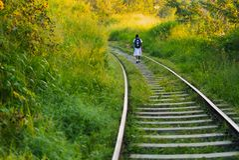 Sri Lanka schoolchildren go by rail to school near Ella stock photos