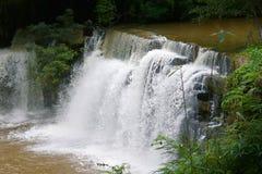 Sridith vattenfall i khaoko på Petchabun, Thailand Royaltyfria Bilder