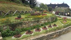 Srilankan Adisham-Bungalow-Garten Lizenzfreie Stockfotos