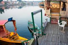 Srinagar Dal houseboat jeziorny życie Zdjęcie Royalty Free