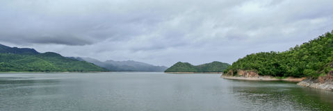 srinakarin Таиланд kanchanaburi запруды Стоковая Фотография RF