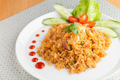 Sriracha Fried Rice met Garnalen Stock Foto's