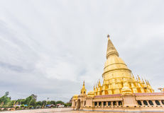 Sriwiengchai pagod på Wat Phra Bat Huai Tom Royaltyfri Fotografi