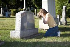 sörjande kvinna Arkivbild