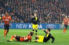 Srna en Lewandowski tijdens een gelijke van het Champions League Stock Afbeeldingen