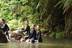 Srta. Tourism Queen Thailand 2017 del viaje de la excursión que acampa Foto de archivo libre de regalías