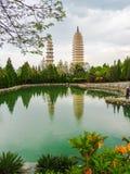 ` Ss de dois pagodes do templo de Chongsheng em Dali Fotografia de Stock