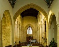 Ss Peter e vista di Nave della chiesa di parrocchia di Paul dall'altare Northleach Fotografia Stock