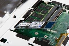 SSD met M wordt verbonden dat 2 typegroef stock afbeeldingen