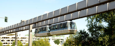 Sseldorf SkyTrain de ¼ de DÃ Photo stock