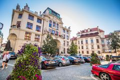 Stà na cidade velha de Praga, República Checa do› do mÄ do ¡ do nà do nské do ¡ de Marian Square Marià fotografia de stock royalty free